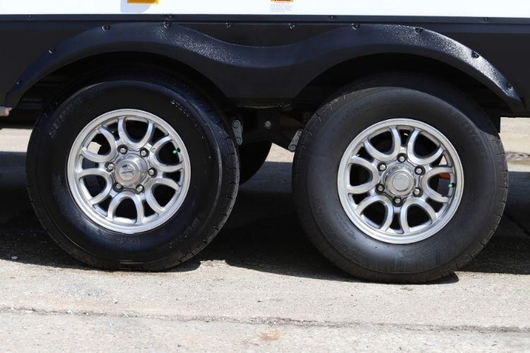 30313 Universal Aerospace Protectant BA RV Tires min
