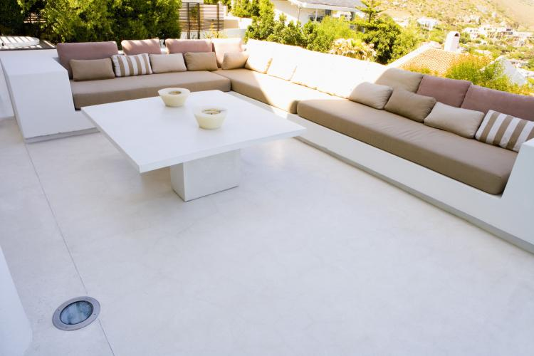 Choosing The Right Fabric For Your Outdoor Furniture