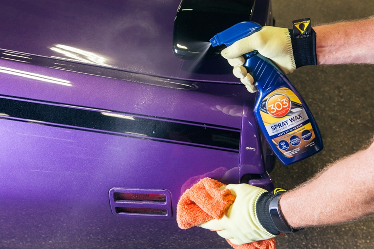 Spray wax bil