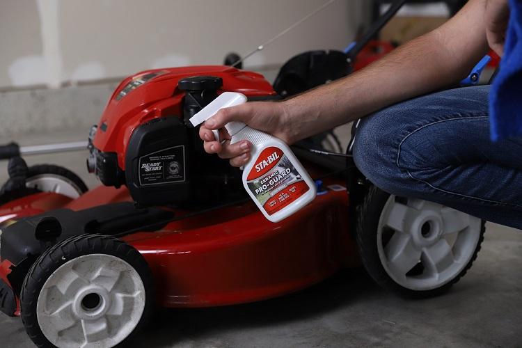 22501 In Use Bottle Posing Mower min