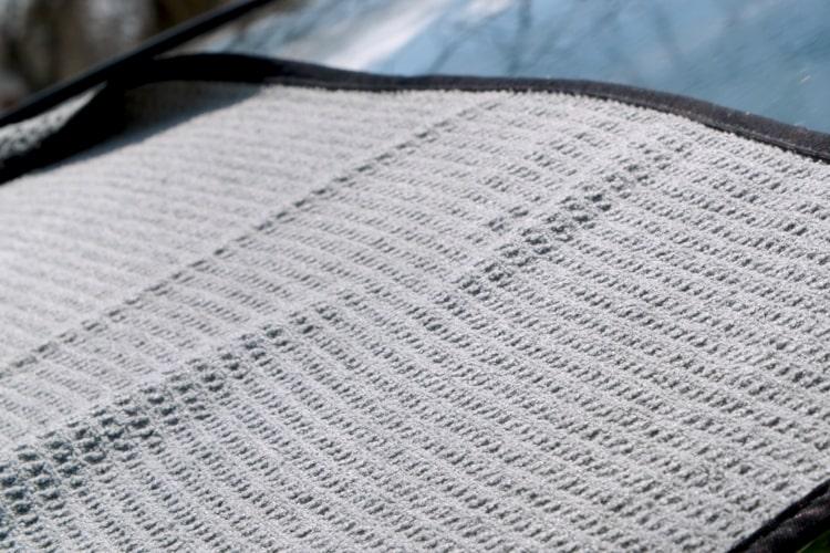39015 303 waffle weave drying towel closeup min