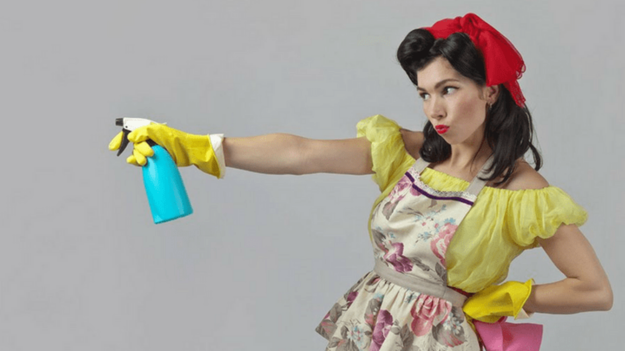 Your Myers Briggs Totally Determines How You Clean | Gold
