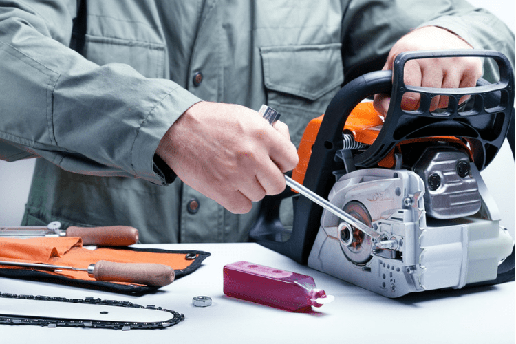 Keep your chainsaw running with these 4 steps to proper chainsaw maintenance.