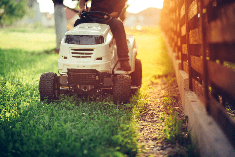 It's the perfect equipment for cutting your grass without using up all your energy before the day even begins – take care of it the right way, the first time.