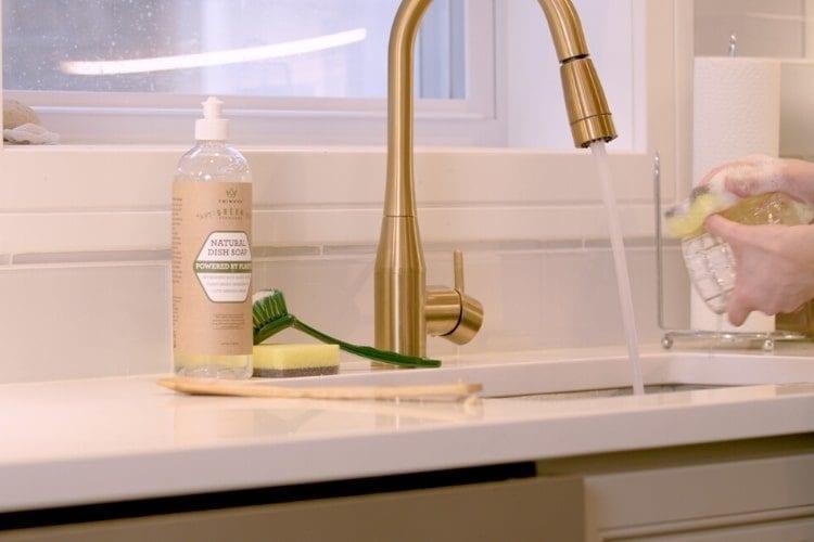 33526 trinova natural dish soap product shot 1 min