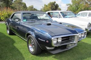 By Sicnag (Pontiac Firebird 400 1968 Uploaded by OSX) [CC BY 2.0 (https://creativecommons.org/licenses/by/2.0)], via Wikimedia Commons