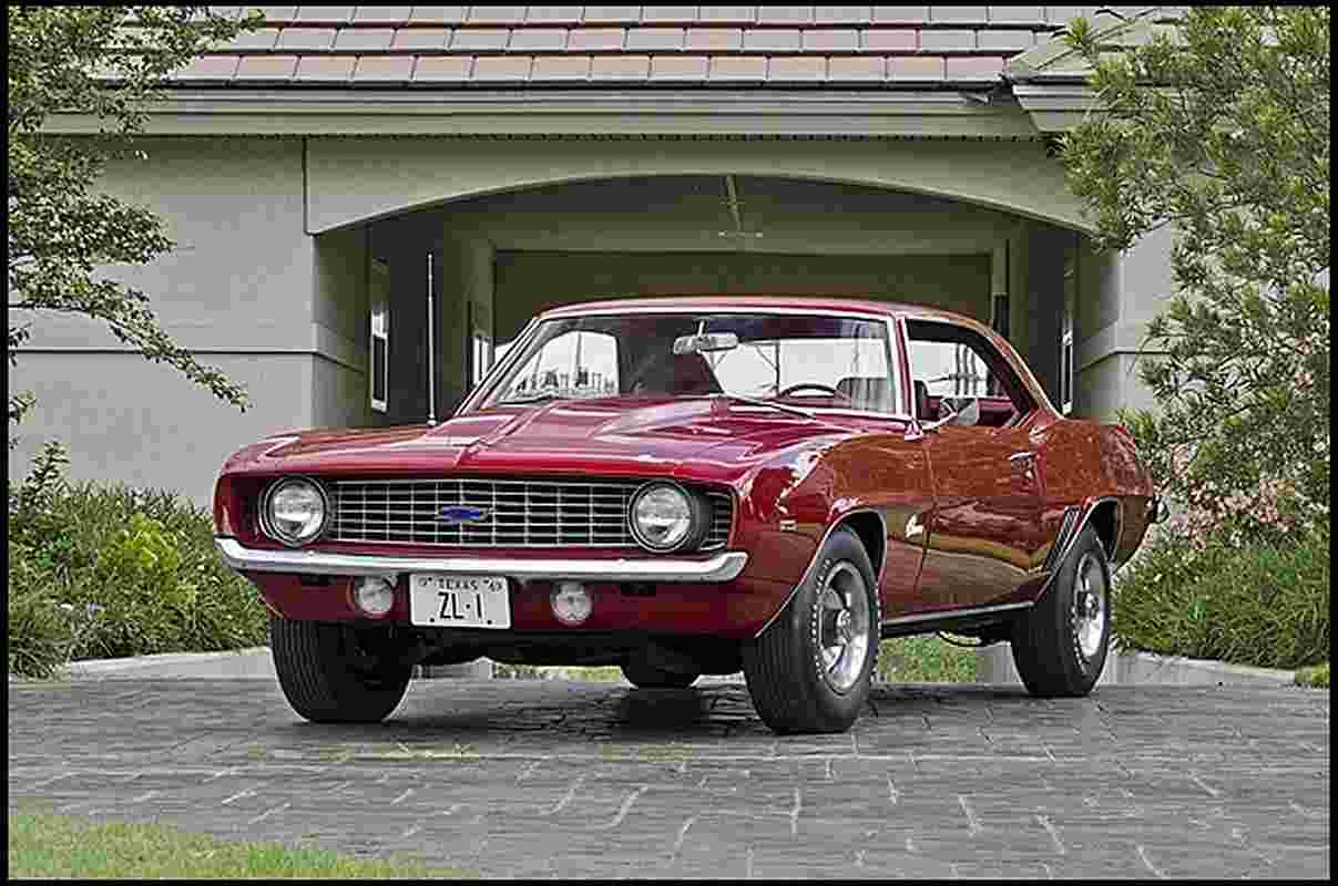 1969 Pontiac Trans Am Vs 1969 Chevrolet Camaro Zl1 Gold