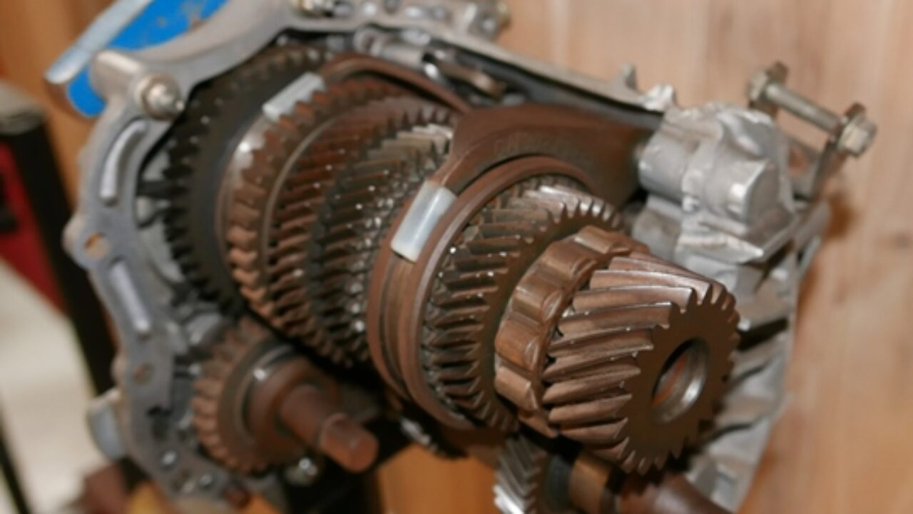 10 Common Transmission Problems | Gold Eagle Co