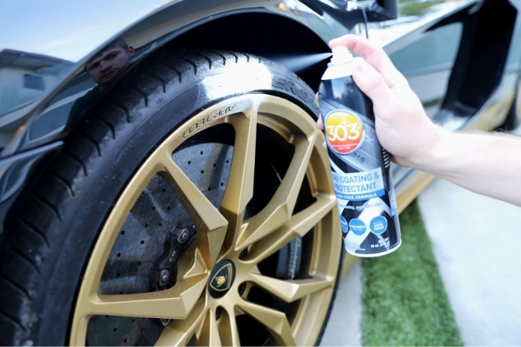 30393_303-tire-coating-protectant_application-min