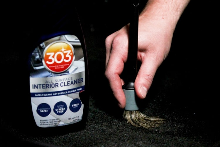 30588 303 interior cleaner brush min