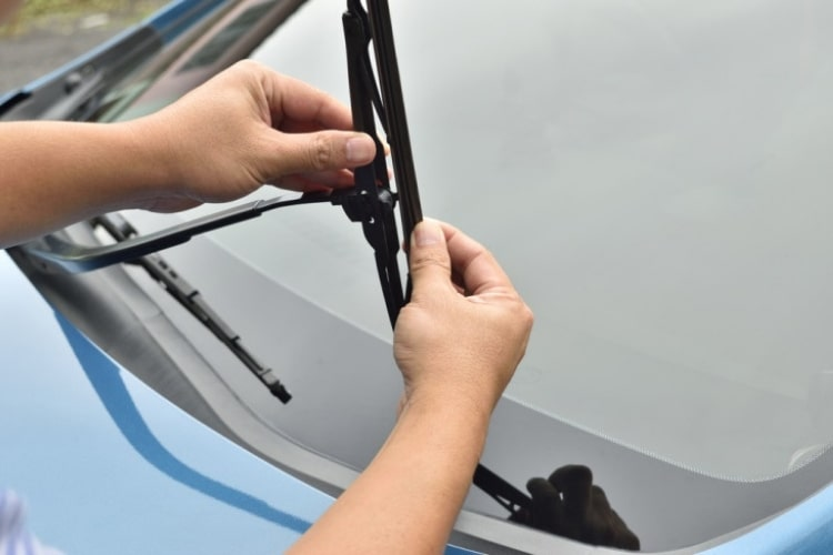 You don't need to set aside a lot of time to replace windshield wipers as this can be done fairly quickly.