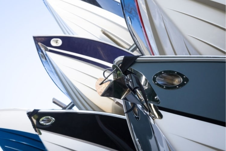 Limiting sun exposure when the boat is not in use will make it easier to protect the shine on a fiberglass boat.