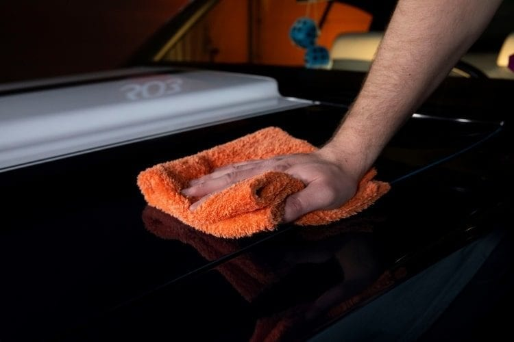 30225-303-show-car-wax-application-5-min