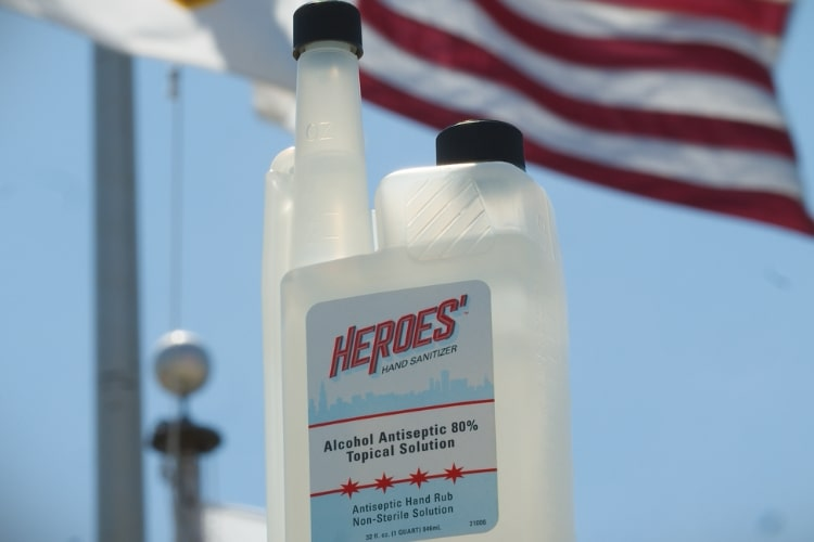 21006 heroes hand sanitizer with american flag min