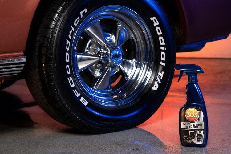 30596csr 303 wheel tire cleaner bottle shot min
