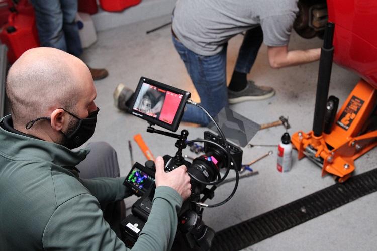chad filming monitor bts min