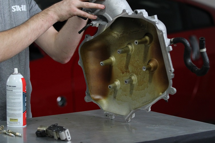 dirty engine cover before carb choke 2 min