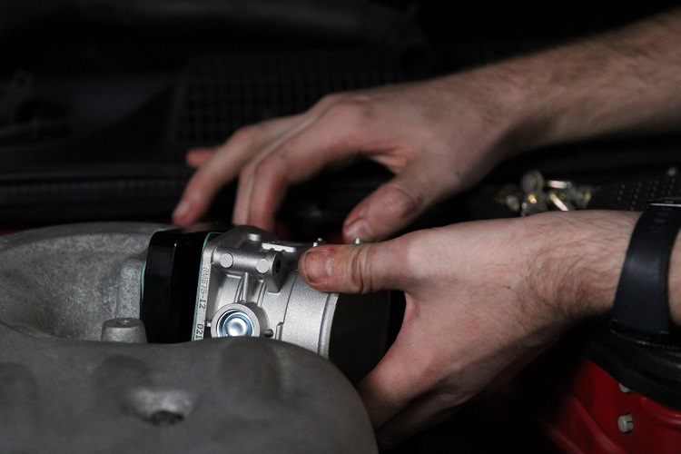 installing new throttle body 3 min