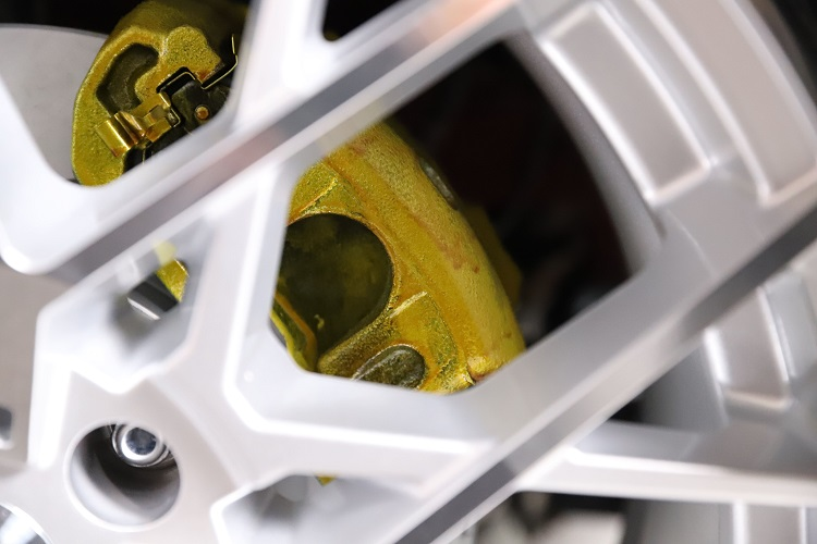 painted gold calipers min