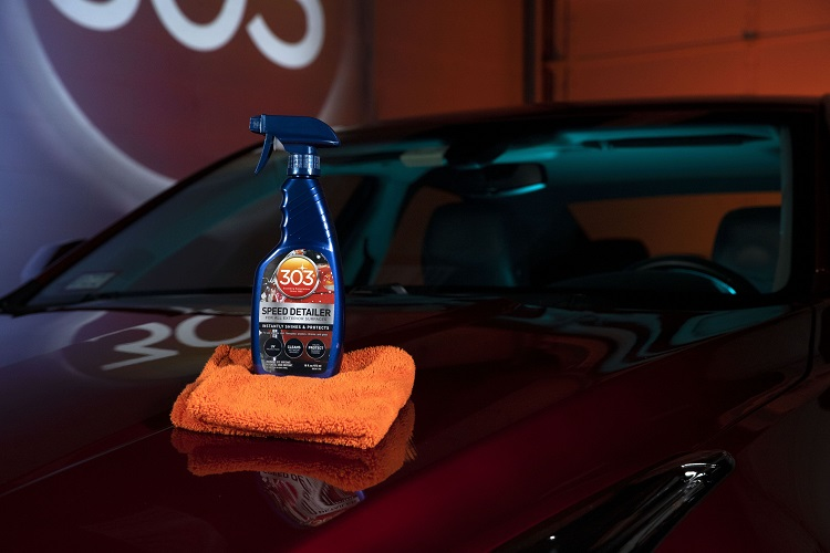 speed detailer bottle on car landscape min