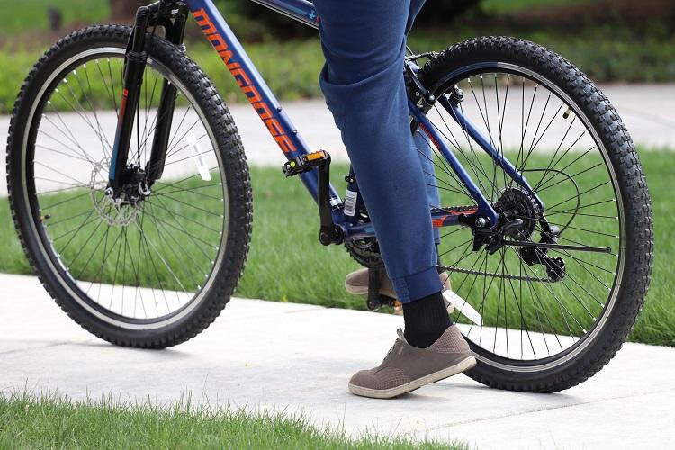 Bike Lifestyle Suburban Blue Bike Stopped min