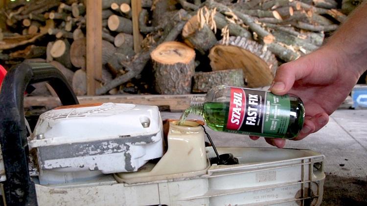 Fast Fix 8oz Pouring Chainsaw min