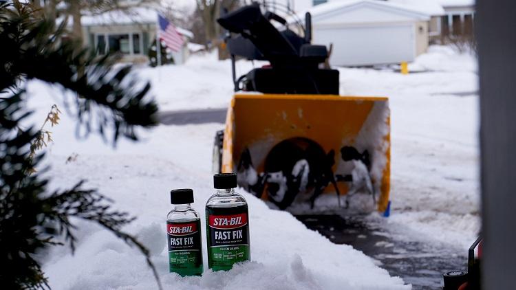 Fast Fix Family Snow Blower Driveway 00000 min