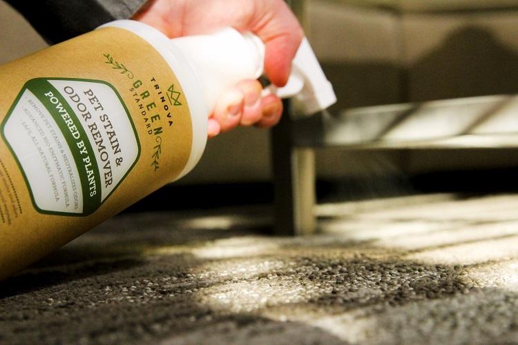 Natural Pet Stain Spraying 00000 min
